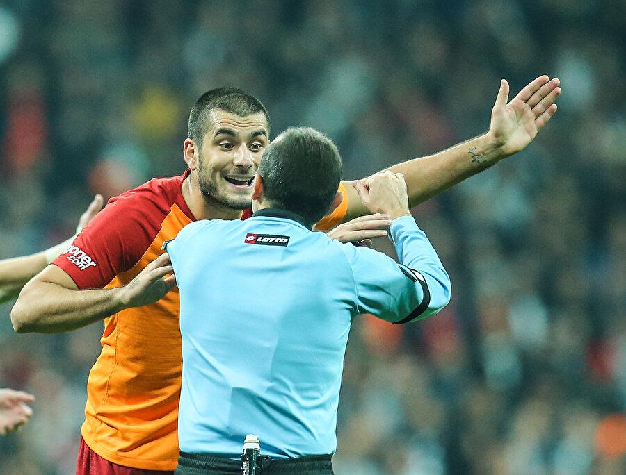 Cüneyt Çakır, Eren Derdiyok ile tartışıyor...