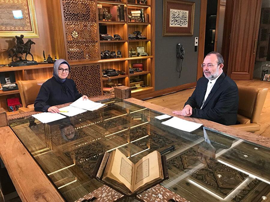 Ayşe Böhürler'in sunumuyla gerçekleşen Türk Kahvesi programının bu haftaki misafiri Prof. Dr. Mehmet Görmez oldu.