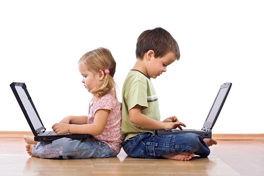 Çocukların teknolojiyle olan ilişkisi 'internet kullanımı' ekseninde her geçen gün daha çok gelişiyor.