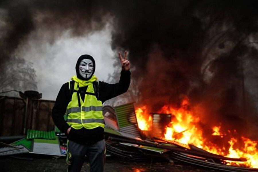 BFM televizyon kanalına konuşan protestocular şiddeti yetkililerin körüklediğini belirtiyor.