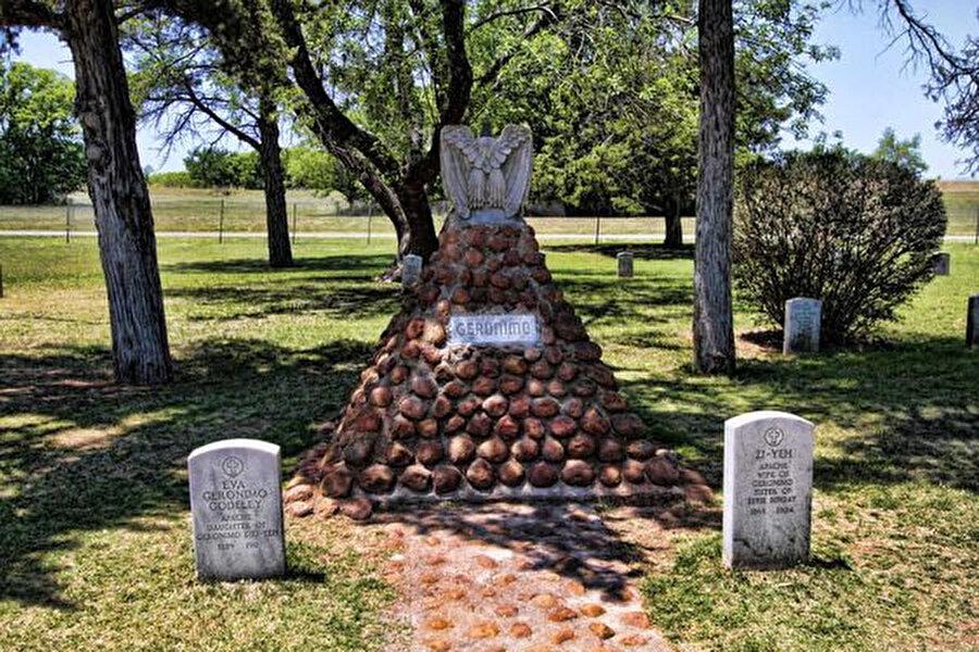 Geronimo ile ailesinin Fort Sill'deki mezarları