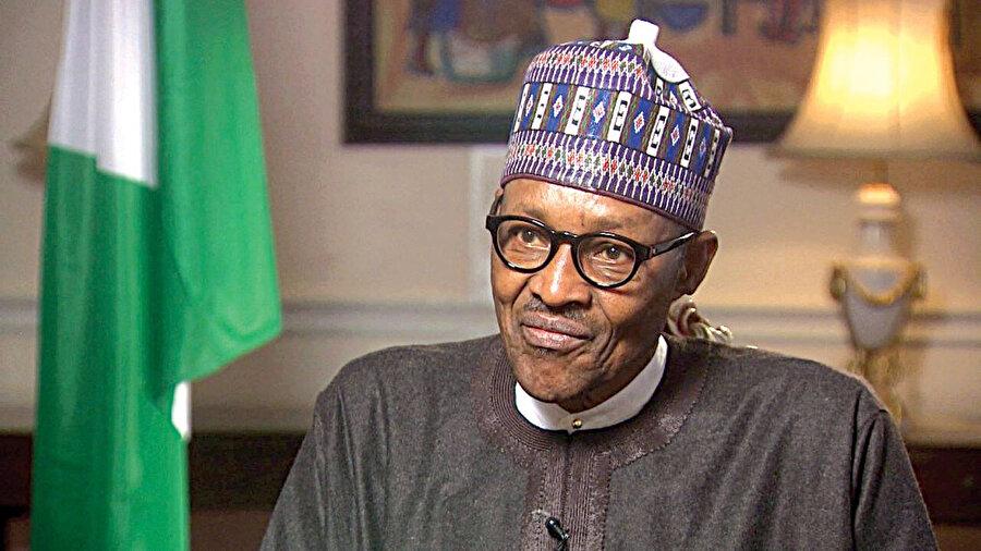 76 yaşındaki Buhari, yeniden seçimlere girmeye hazırlanıyor.