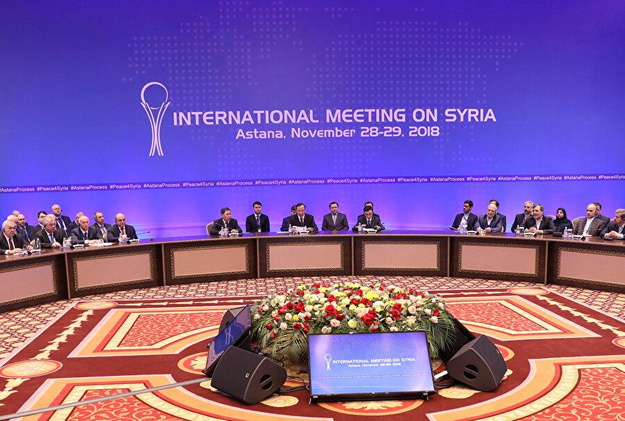 Astana'da yapılan 11. Rusya-Türkiye-İran garantör ülkeler toplantısına, Şam temsilcisinin Ankara'yı hedef alması damga vurmuştu.