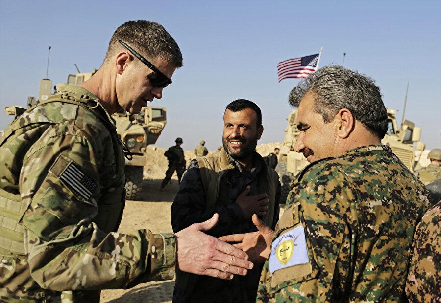 ABD, Türkiye'nin Afrin'in sonrasında operasyon düzenlemek istediği Münbiç'te PYD'lilerle sürekli görüşme halinde.