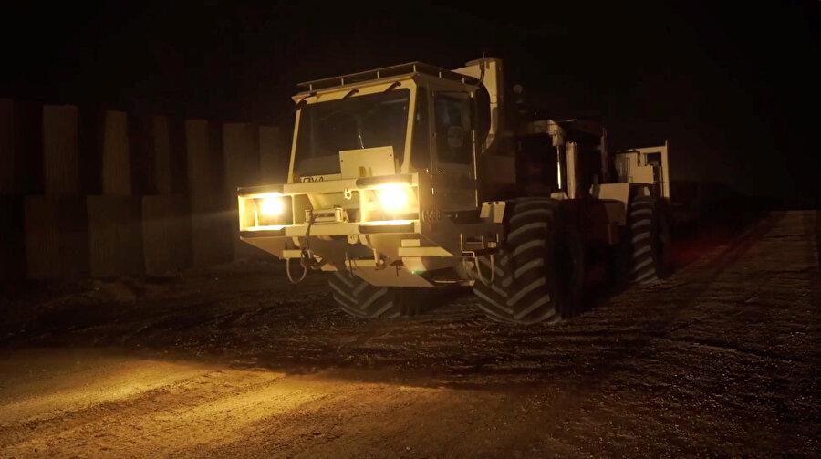 Bulunan tünellerin kapatılma operasyonu için ağır iş makineleri hazırlanmaya başladı.