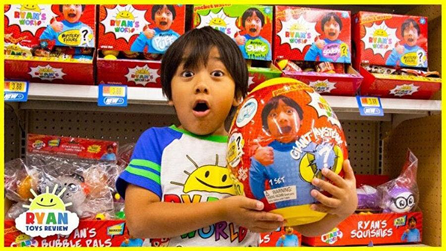 Amerikan perakende devi Walmart, Ryan's World isimli bir kıyafet ve özel oyuncak serisi çıkardı.