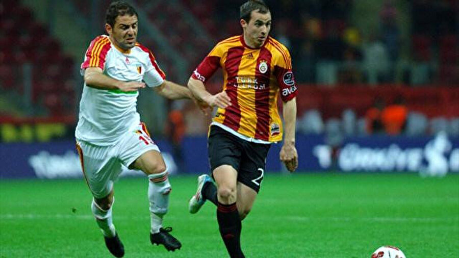 Stancu'nun Galatasaray'da top koşturduğu dönemden bir kare.