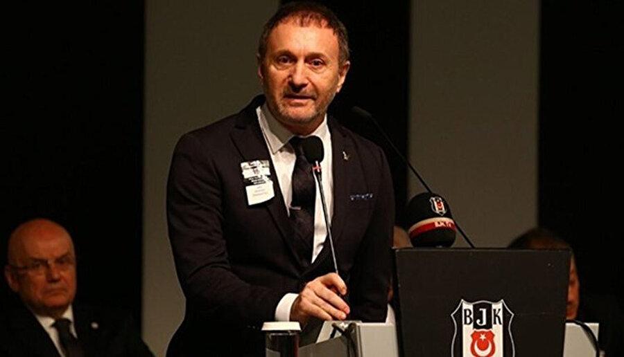 Hürser Tekinoktay, Beşiktaş Divan Kurulu'nda açıklamalarda bulunuyor.