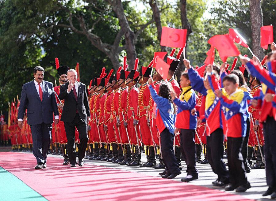 Cumhurbaşkanı Erdoğan, Venezuela Devlet Başkanı Maduro ile bir araya gelmişti.
