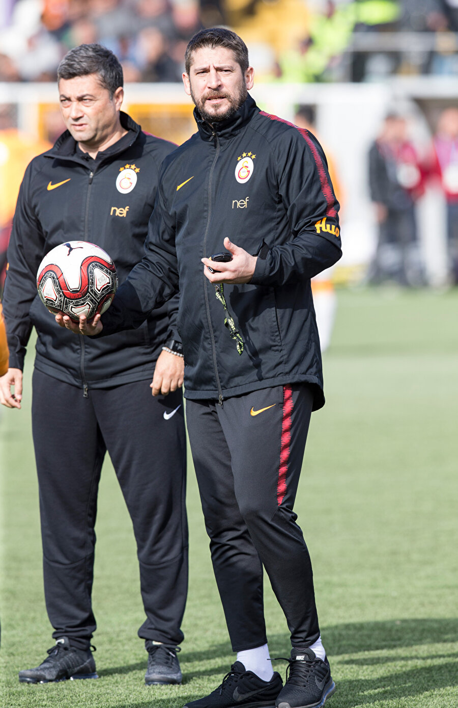 Fatih Terim ve Hasan Şaş'ın cezası nedeniyle takımın başında teknik sorumlu olarak Ümit Davala olacak.