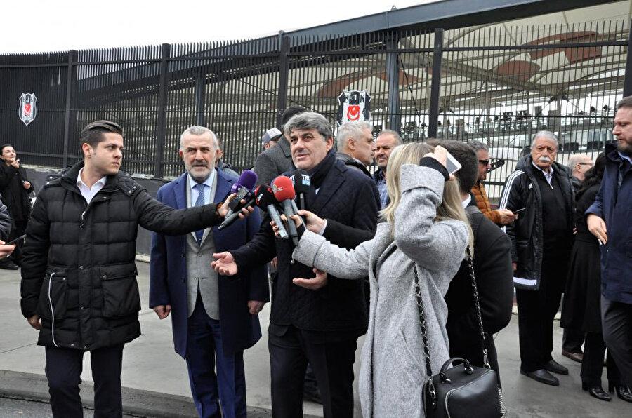 Beşiktaş 2. başkanı Serdal Adalı basın mensuplarına açıklamalarda bulundu.