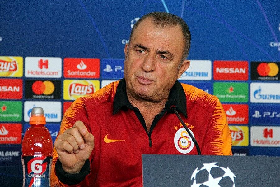 Fatih Terim, Porto maçı öncesinde basın mensuplarına açıklamalarda bulunuyor...