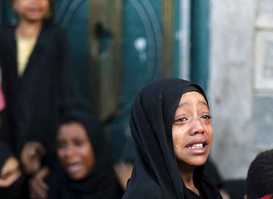 Çocuklar, Yemen'deki velâket savaşının en büyük kurbanları.