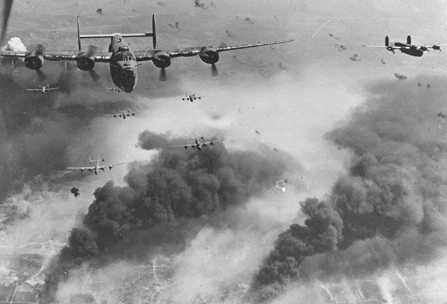 2. Dünya Savaşı'nda uçaklar büyük rol üstlenmişti.
