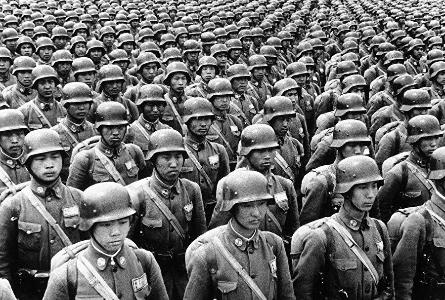 İkinci Dünya Savaşı'nda görev alan Japon askerler.