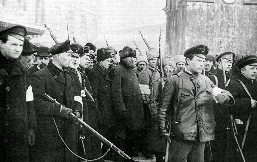 Sovyet askerleri