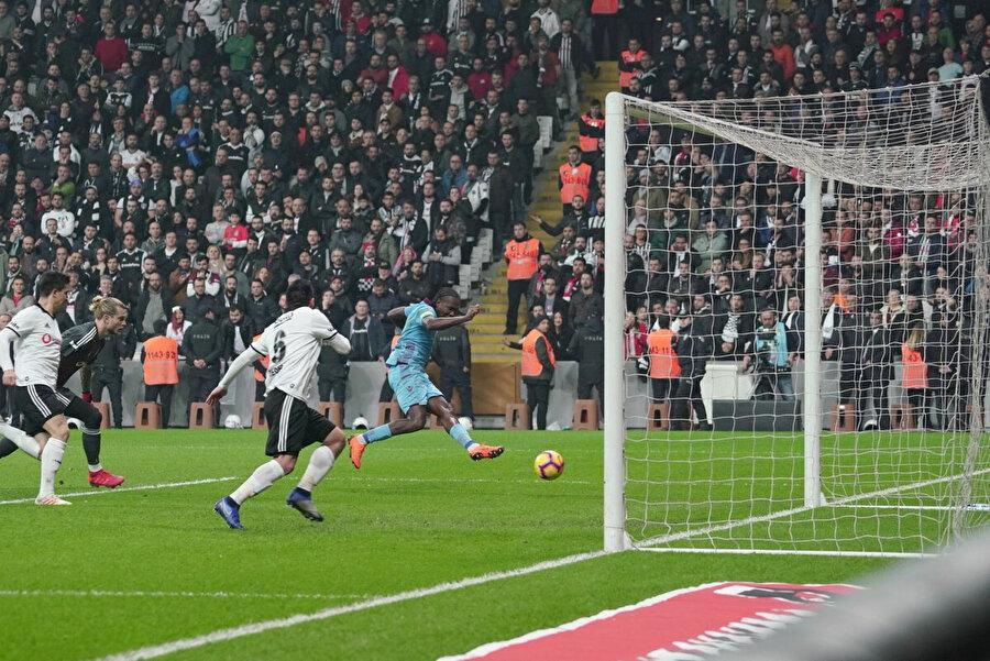 Rodallega'nın gol vuruşu.