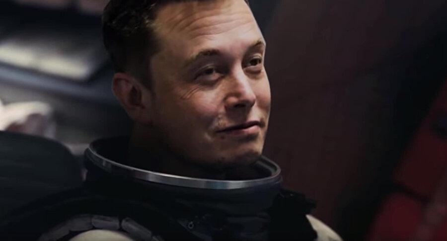 Özel fragmanda Elon Musk, Interstellar filminin gerçek başrolü olacak kadar gerçekçi bir görünüme sahip.