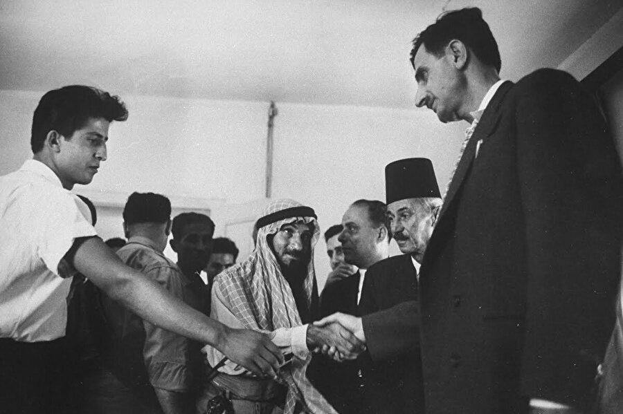 Lübnan Dürzîleri Suriye ve İsrail'de yaşayan dindaşlarının aksine Araplarla yakın ilişki içerisinde olmuştur.