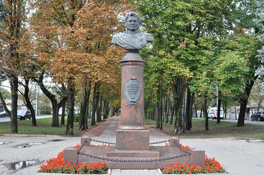 Stavropol Krayı'ndaki Aleksey Yermolov büstü 2007'de başlayan ve 6 hafta süren milliyetçi Rusların Kuzey Kafkasyalılara karşı başlattığı etnik başkaldırının merkezi konumunda yer alıyordu.