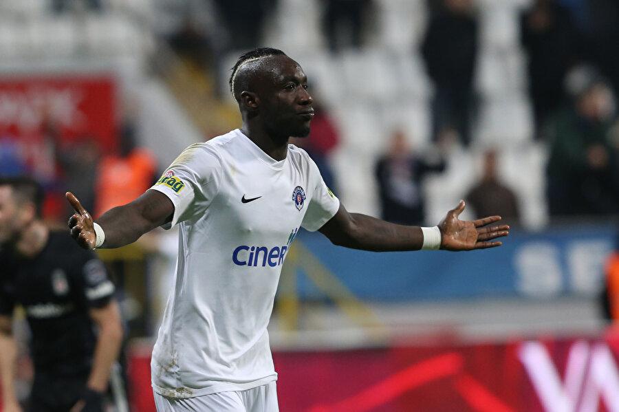 Kasımpaşa forması giyen Diagne'nin gol sevinci.