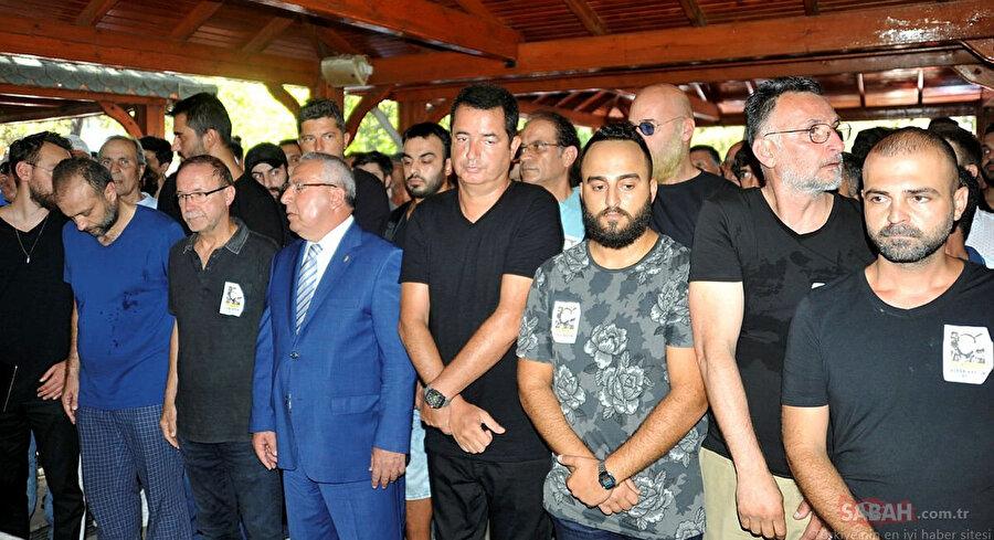 Acun Ilıcalı Alper Baycın'ın cenaze töreninde böyle görüntülenmişti.