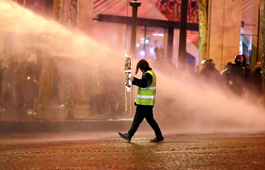 Dünkü protestolarda 142 kişi gözaltına alındı.