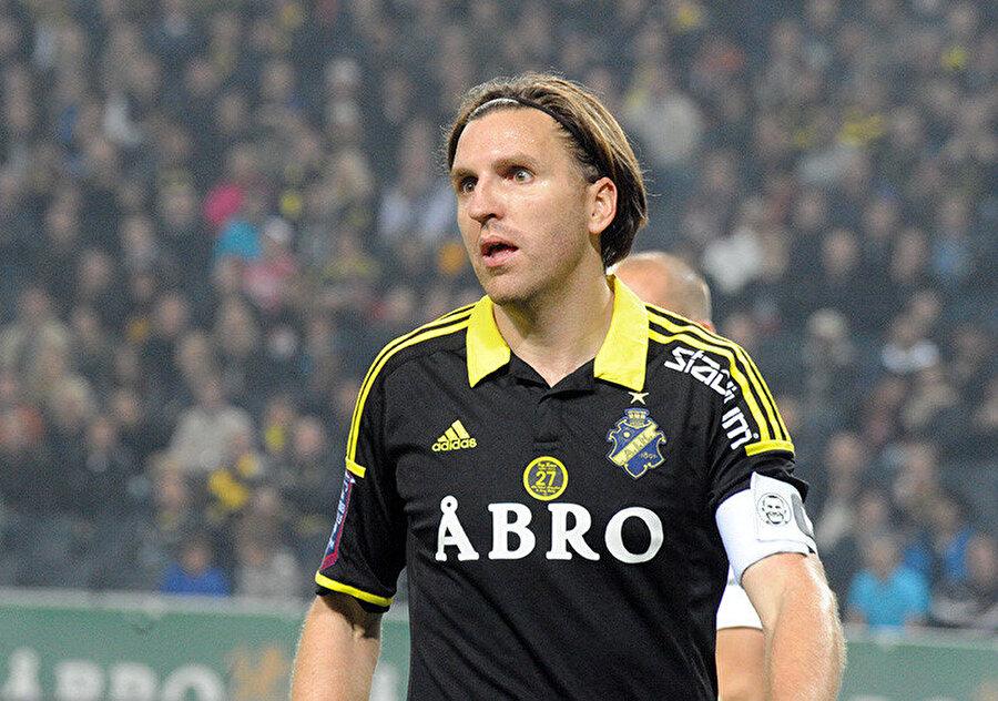 İsveç Milli Takımı forması da giyen Johansson, AIK'de takım kaptanlığı yaptı.
