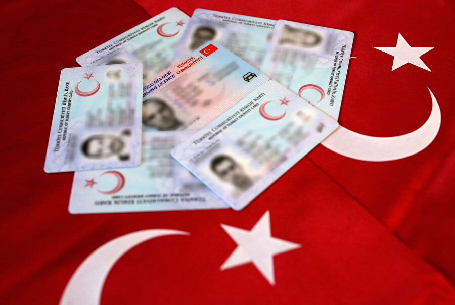 Yeni ehliyetini kaybedenlerin 159 lira ücret ödemesi gerekiyor.