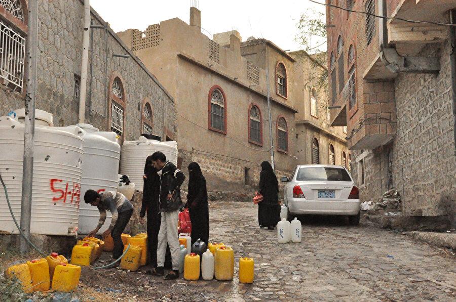 Ülkede su sıkıntısı ciddi manada baş gösterdi.