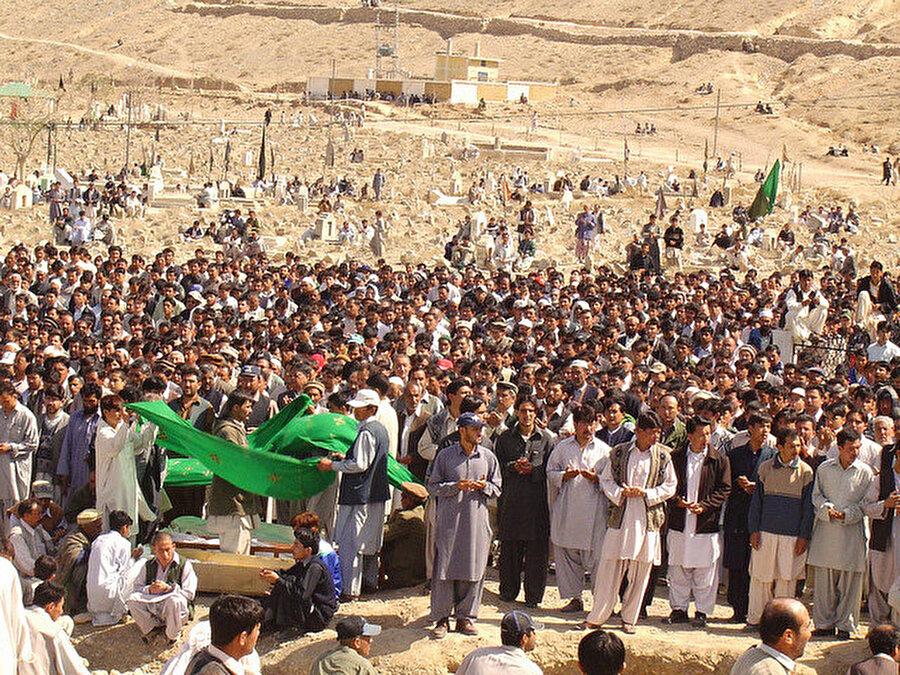 Pakistan'ın Belucistan eyaletinde yaşayan Şii Hazarlar sık sık terör saldırılarına maruz kalıyorlar.