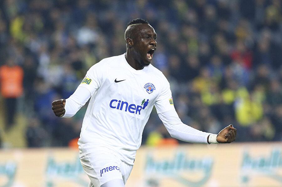 Diagne, ligde son 20 yılda ilk yarıların en golcü oyuncusu oldu.