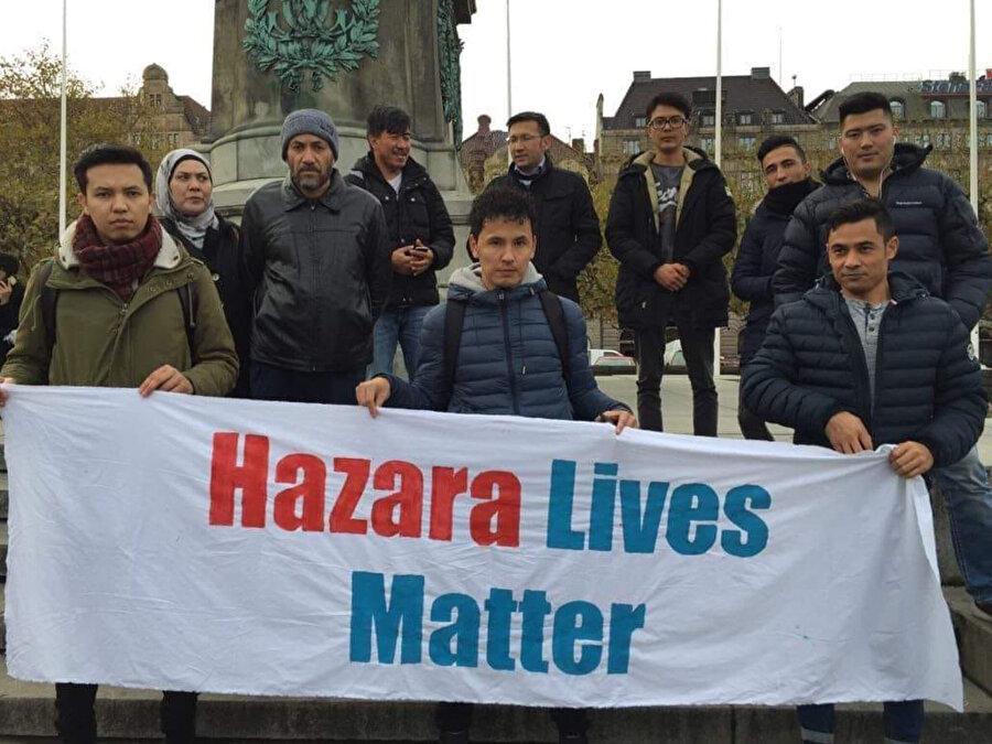 Avrupa'ya göç etmiş Hazaralar bulundukları ülkelerde Hazaraların problemlerini gündeme getirmek üçün sivil eylemler düzenliyorlar.