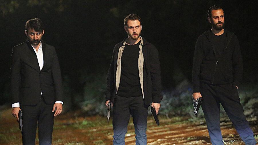 Çukur, dün gece 48. bölümüyle Show TV ekranlarında yayınlandı.