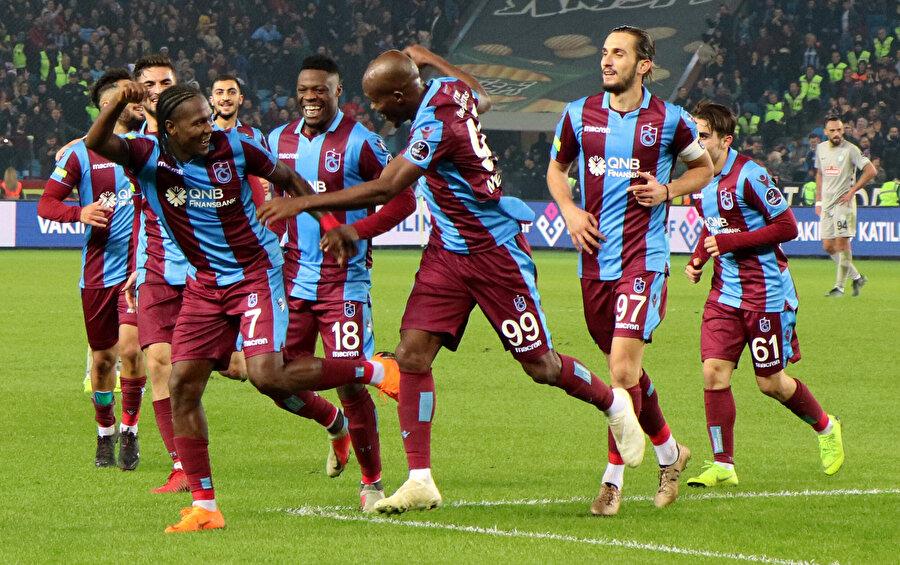 Ligin ilk yarısını ilk sırada tamamlayan Trabzonspor, en centilmen takım olarak dikkat çekiyor.