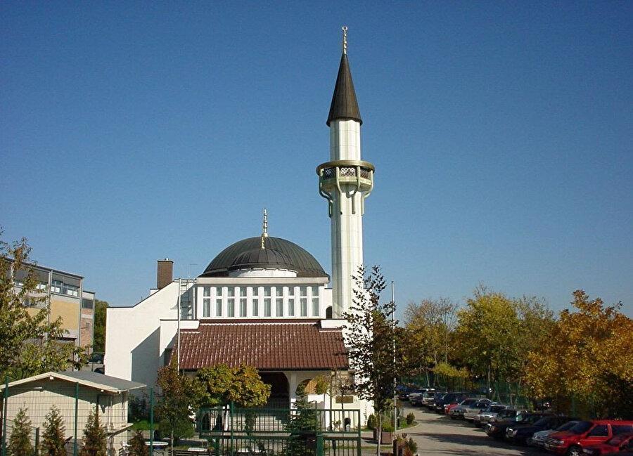 Pforzheim Fatih Camii, Stuttgart, Almanya