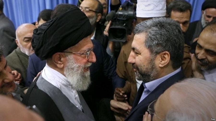 Muhiddin Kabiri'nin İran'ın Dini Lideri Ali Hamaney'le bir araya gelmesinden sonra Tacik bir yetkili Radio Ozodi'ye şöyle demeç vermişti: ''İran seçimini yapmalı, terörizm mi, yoksa Tacikistan mı?''