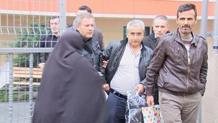 Genç kızı zincirleyen baba, tutuklanarak cezaevine gönderildi.