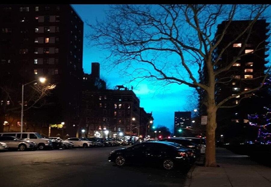 Gökyüzünde meydana gelen mavi ışıkların trafoda meydana gelen patlamadan kaynaklandığı öğrenildi.