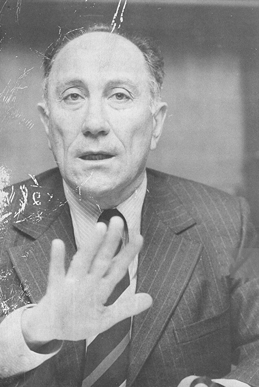 Yapılan hataların tekrarlanmasını istemyen Mossad Başkanı Meir Amit Münir'i bizzat gözlemlemişti.