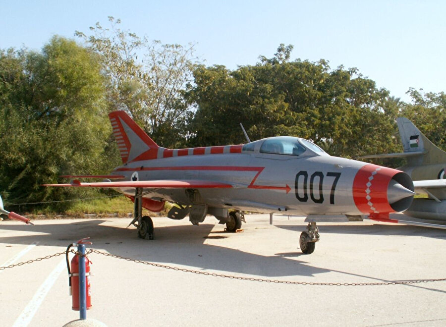 Münir'in kaçırdığı, üzerine İsrailliler tarafından ''007'' ibaresi eklenerek büyük bir casusluk operasyonuna dikkat çekilen uçak bugün İsrail'de bir müzede sergilenmektedir.