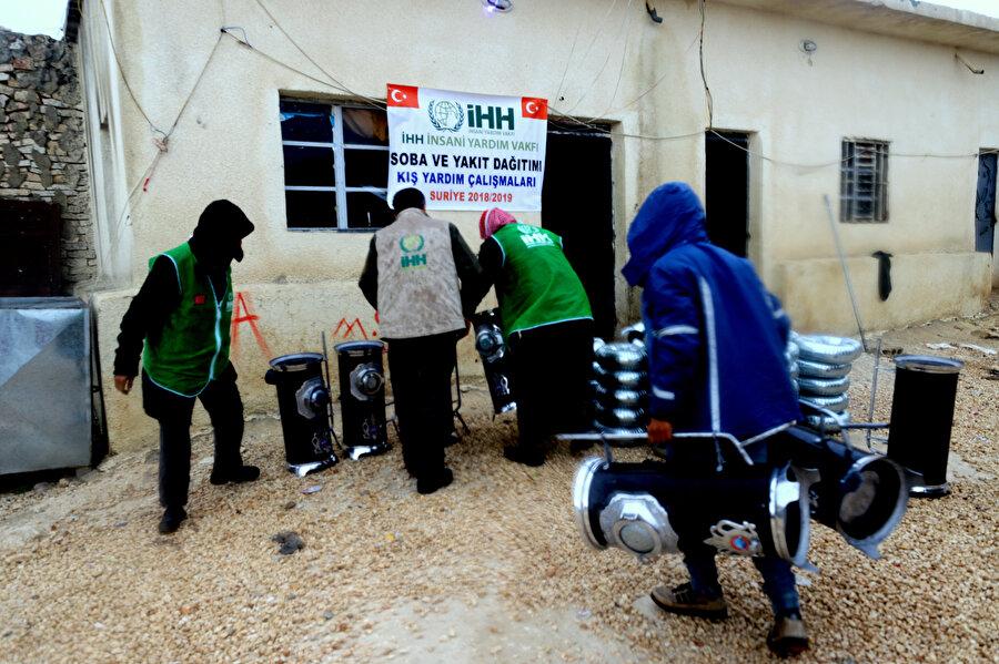 İhtiyaç sahibi 150 aileye soba ve yakacak yardımı yapıldı.
