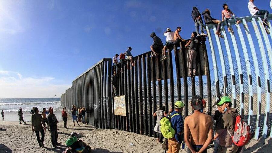 Göçmenlik uzmanları, sınırın bu şekilde kapatılmasının 'utanç verici olacağı' uyarısında bulunuyor.