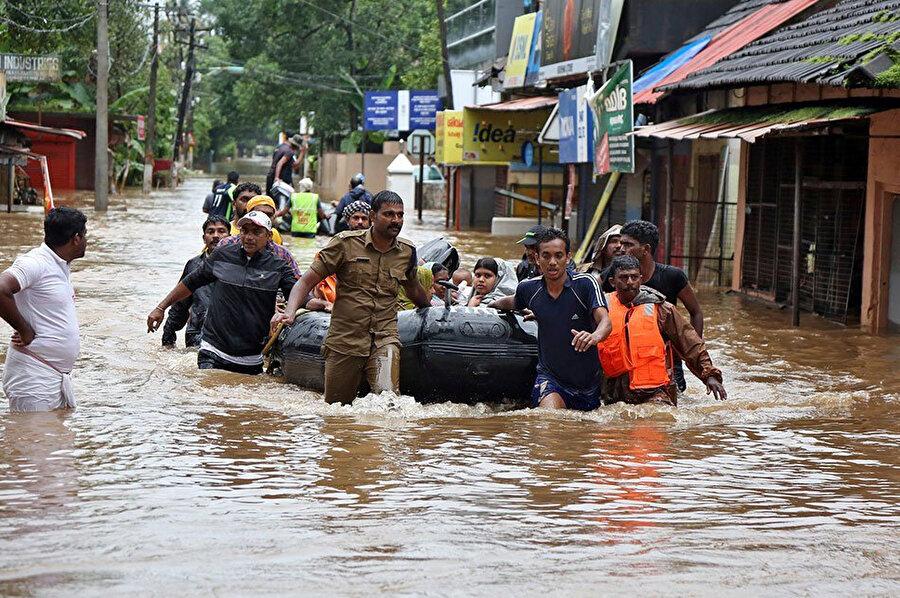 2018 yılı içerisinde Muson yağmurları Hindistan'ta yüzlerce kişinin hayatını kaybetmesine yol açtı.
