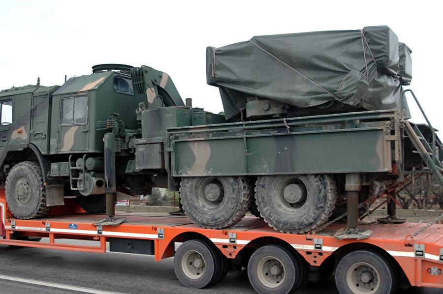TSK, Fırat'ın doğusuna yapılacak operasyon öncesi, Hatay'ın Hassa ilçesindeki askeri hareketlilik devam ediyor.