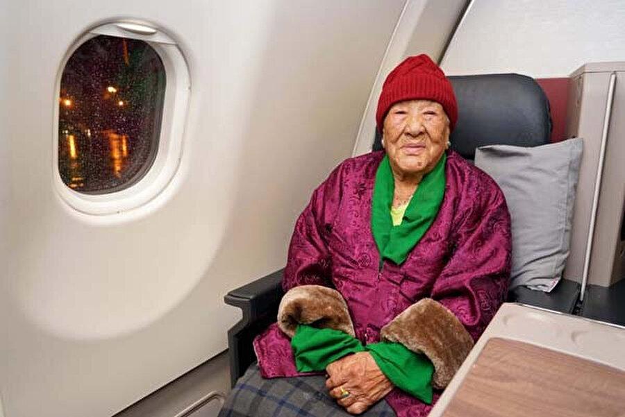 Üç kıta arasındaki seyahatini oğlu ve gelini ile yapan Sherpini, önceki gün Katmandu'dan İstanbul'a geldi.