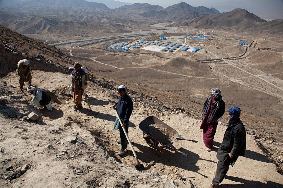 Afganistan'ın dağlık kesimleri altın, gümüş ve mineral zengini.