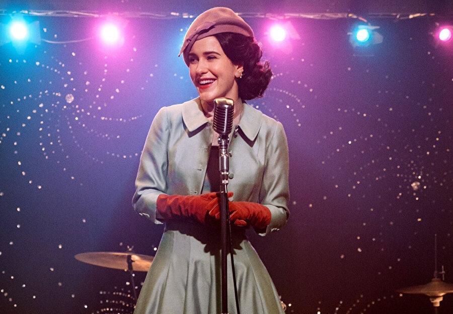 Rachel Brosnahan, Amazon The Marvellous Mrs Maisel dizisiyle en iyi dizi ödülünün sahibi oldu.