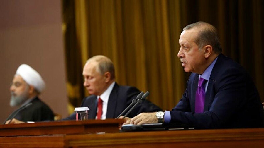 Cumhurbaşkanı Erdoğan, Rusya Devlet Başkanı Putin ve İran Cumhurbaşkanı Hasan Ruhani'nin katılımıyla gerçekleşen Üçlü Zirve, uluslararası basında da geniş yer bulmuştu.