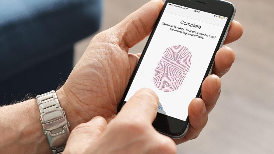 Böylece yabancı kişiler telefona erişmiş dahi olsa WhatsApp parmak izi istediği için kilidi aşması mümkün olmuyor.